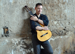 Richard Schneider: Tango Argentino with guitar and bandoneon